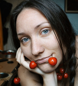 blue eyed girl with cherries
