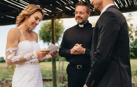 Woman read wedding vows for her husband
