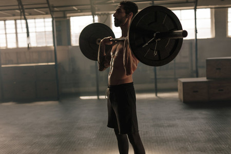 Strong man training with heavy weights