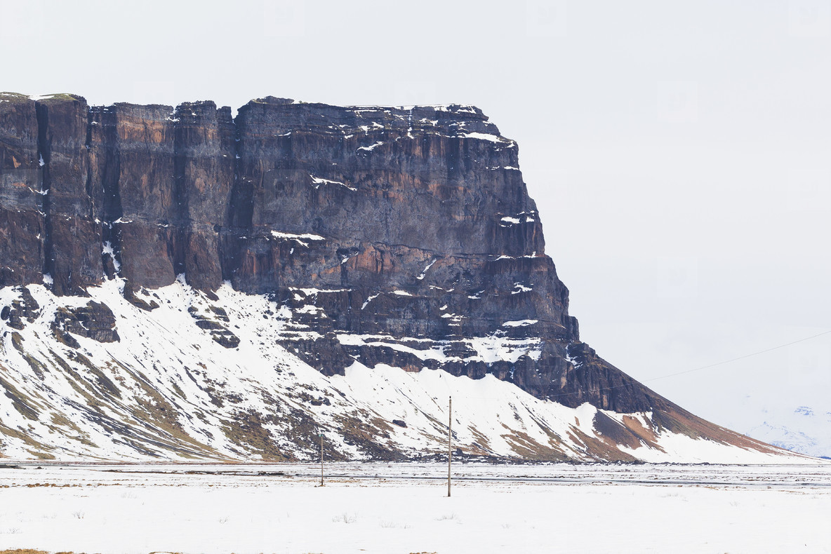 L  magn  pur mountain  Iceland