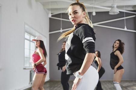 Dance Studio Moves 16