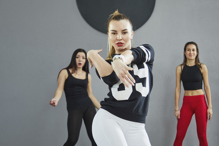 Dance Studio Moves 24