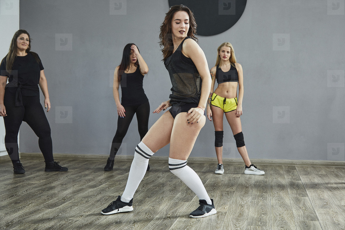 Dance Studio Moves  25