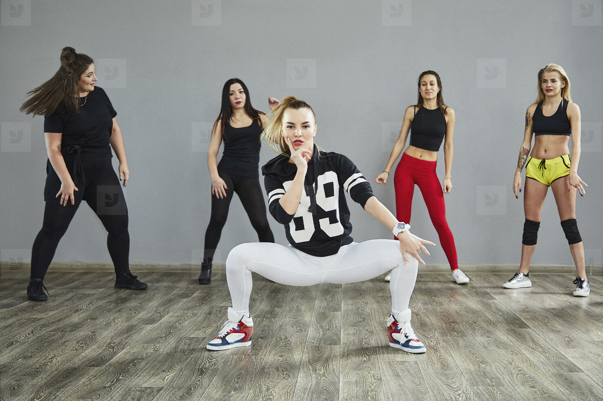 Dance Studio Moves  32