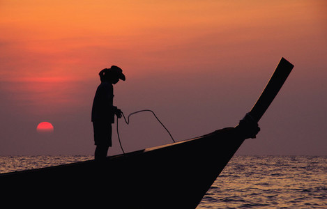 Silhouette   sunset   boat