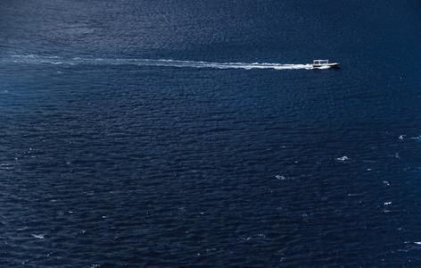 Speedboat cruising