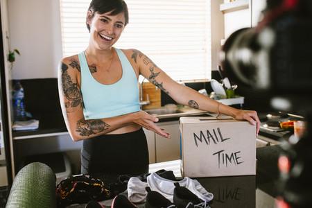 Vlogger mail time
