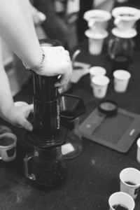 Brewing coffee with aeropress ma