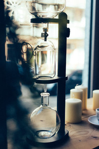 Dripping machine for coffee brew