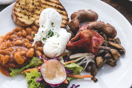 Filling brunch with poached eggs