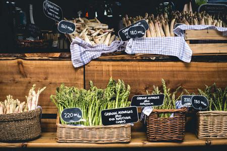 Fresh green and white asparagus
