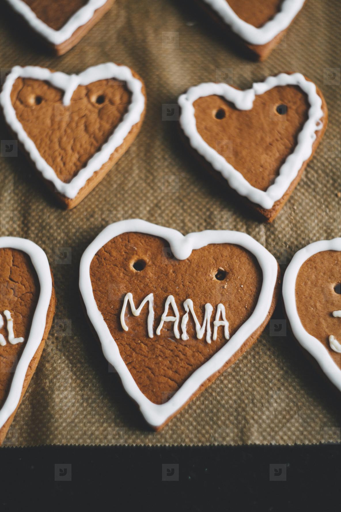 gingerbread heart mama