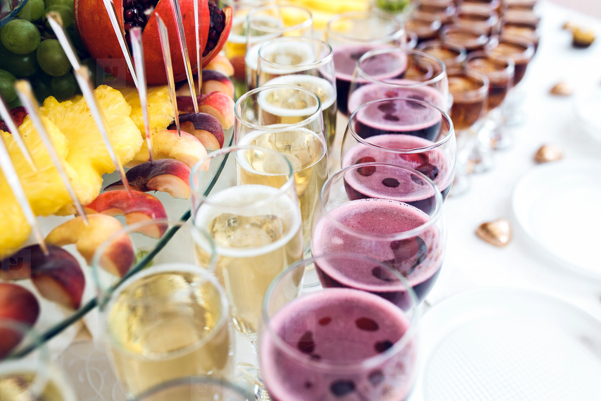 wine and champagne cocktail with fruits