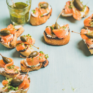 Crostini with smocked salmon pesto sauce watercress capers Square crop