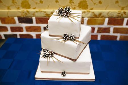 square shaped wedding cake