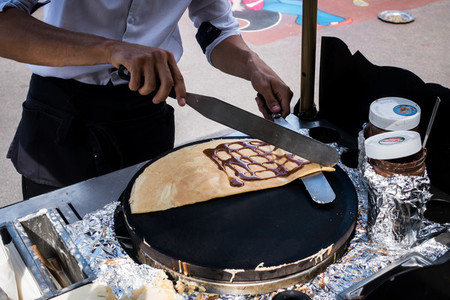 Making crepes on streets