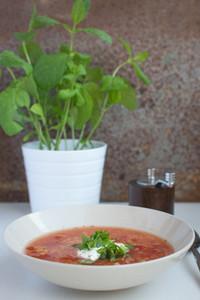 Red lentil tomato soup