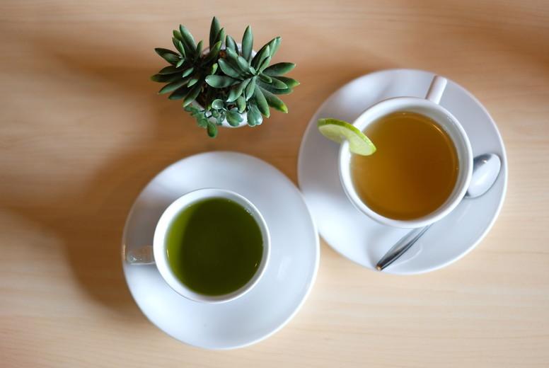 Lemon tea and green tea