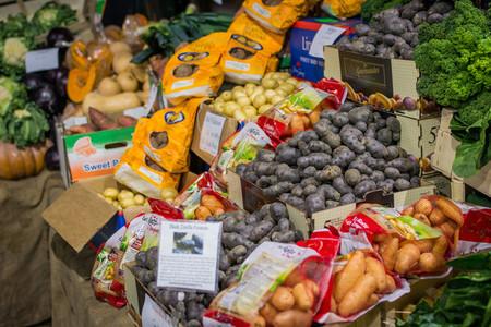 types of potato at market