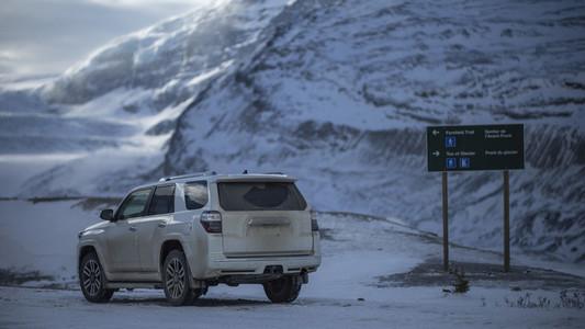 Snowy Mountain Scenes 06