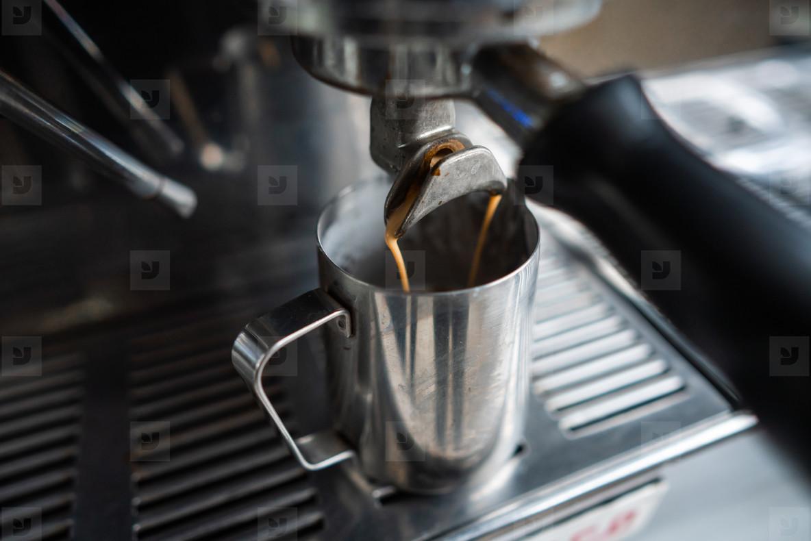 make espresso with a coffee machine