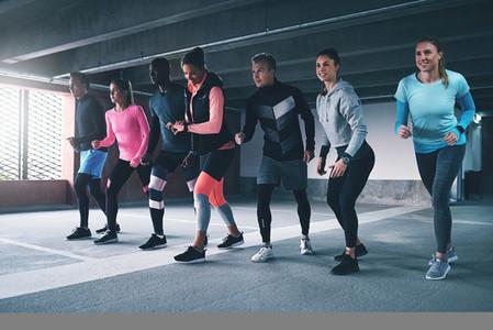 Sportsmen getting ready to run