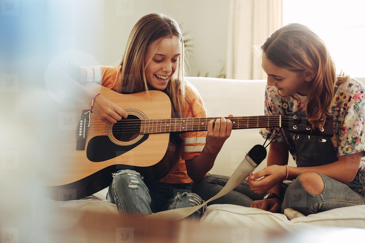 Photos - Girls having fun learnin... 165750 - YouWorkForThem