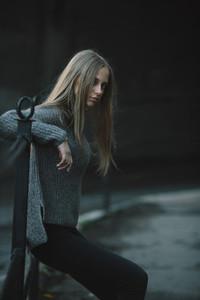 Fashion girl posing on the street
