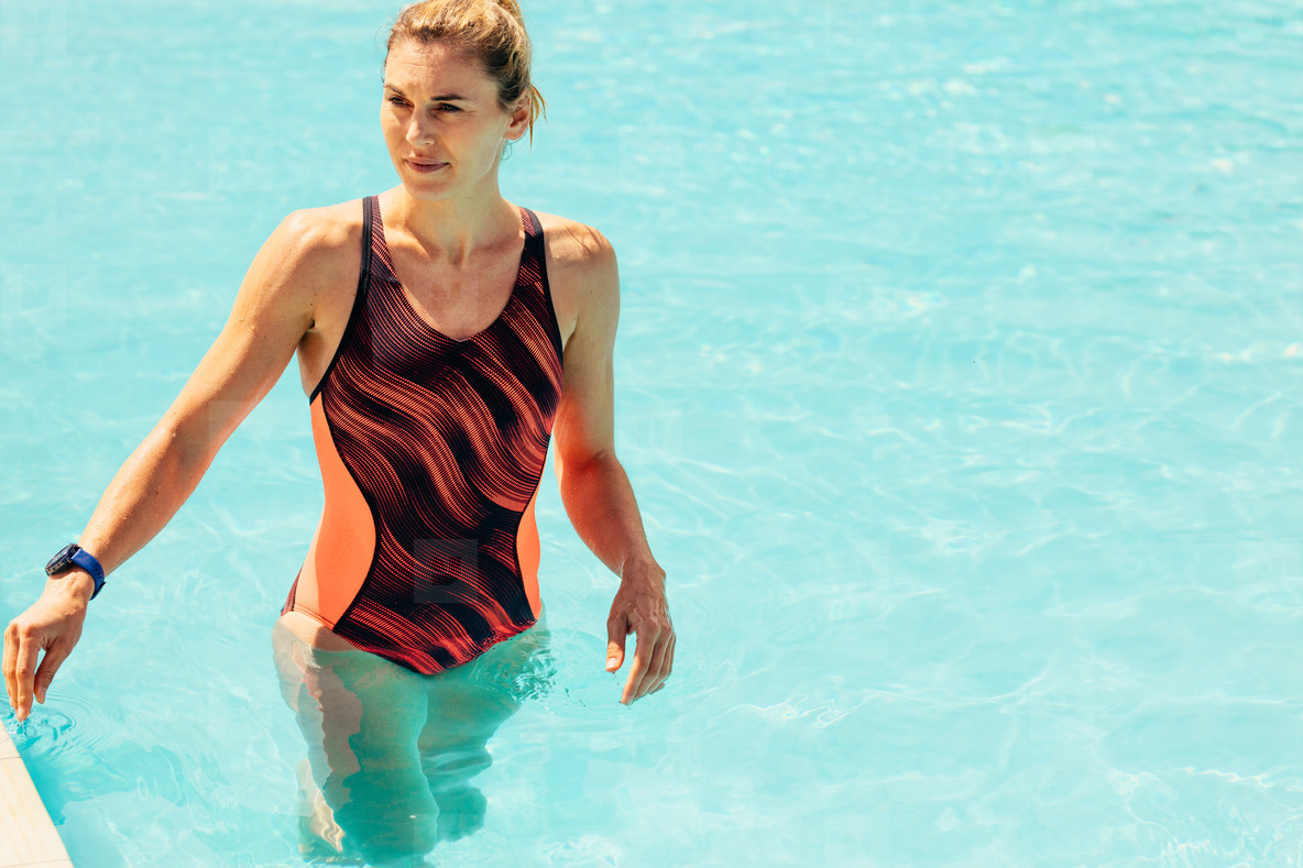 753a2370bfb Photos - Woman in swimming pool - YouWorkForThem