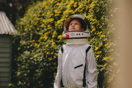 Playing to be an astronaut
