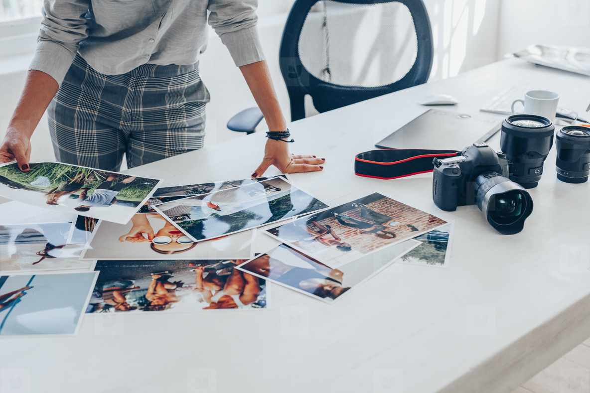Selecting best pictures from the photoshoot