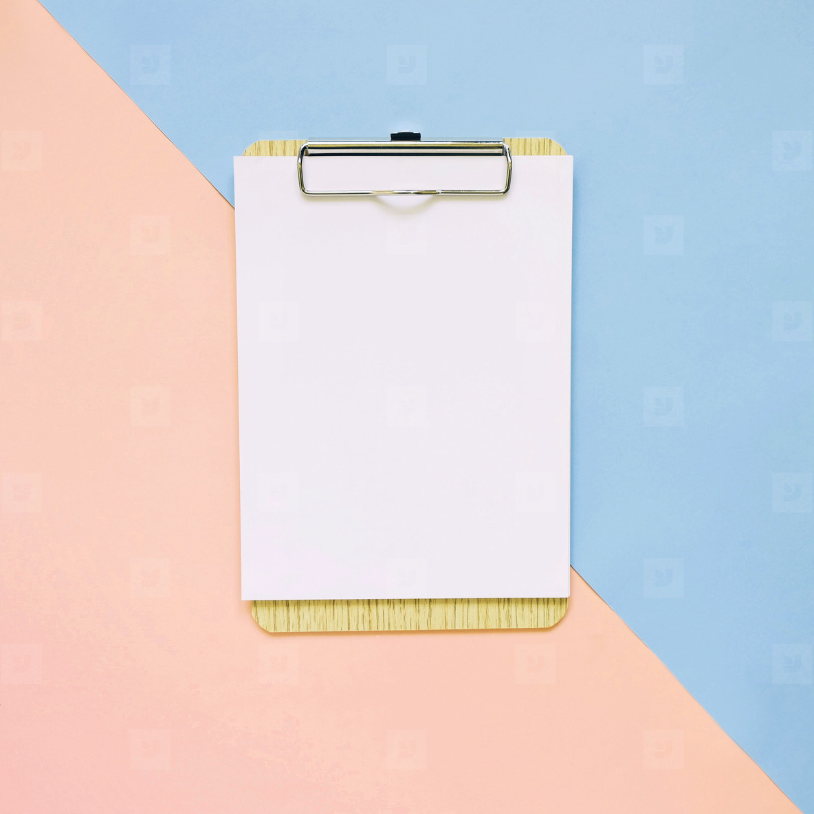 Blank clipboard on pastel color background  minimal style