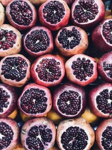 Pomegranates for making fresh juice
