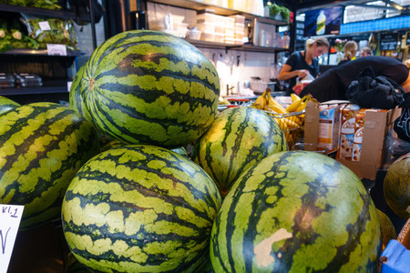 Purchasing watermelons
