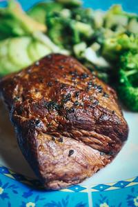 Roasted beef steak with vegetabl