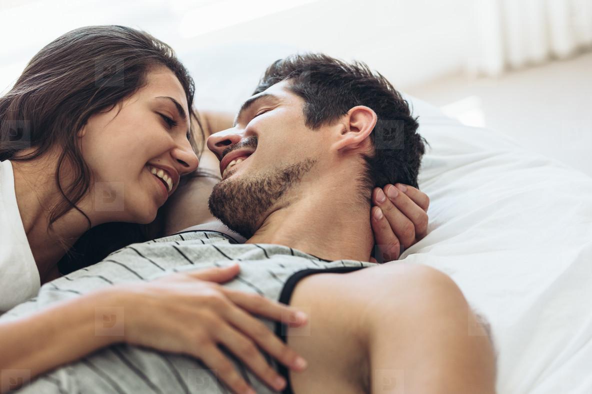 Resultado de imagen para couple bed