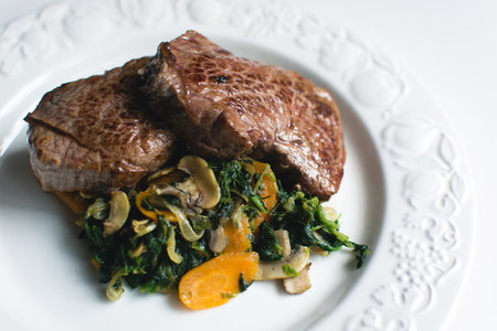 Sirloin beef steak with vegetabl