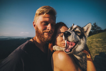photography couple and dog