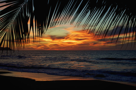 Idyllic scenic sunset sky over tranquil ocean 01