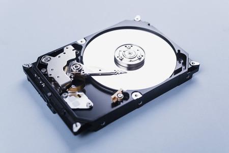 Open external hard disk drive 01