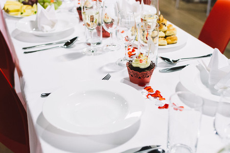 Table setting on a wedding