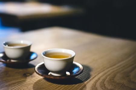 Two cups of freshly brewed tea
