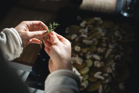 Using rosemary for roasted veget