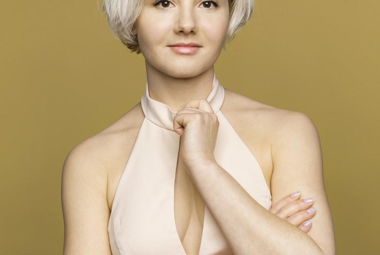 Portrait confident  beautiful young woman 03