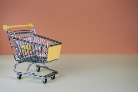 Tiny toy shopping cart 01