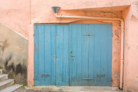 Wooden door in Corsica