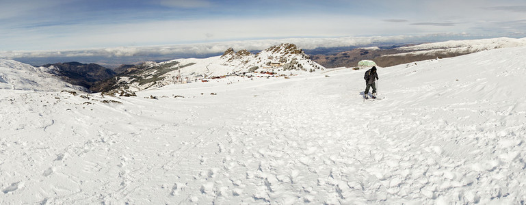 Man doing cross country skiing in Sierra Nevada