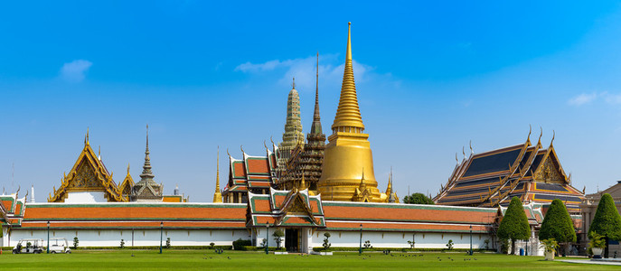 BANGKOKTHAILAND Feb 5 Wat pra kaew Grand palace on the blue s