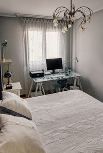 Double bedroom with home office