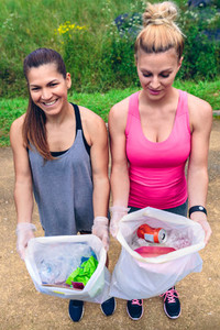 Girls showing garbage after plogging